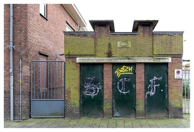 Triple doors