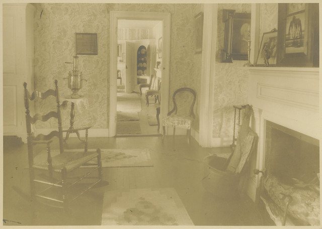 The General's Residence rear living room, 1927