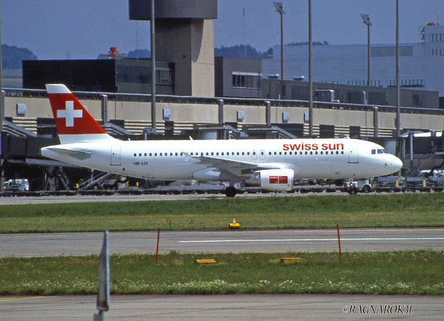 A320-200_SwissSun_HB-IJV