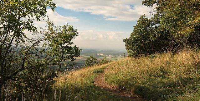 021Oct 08: Hill over Schlosshof Castle