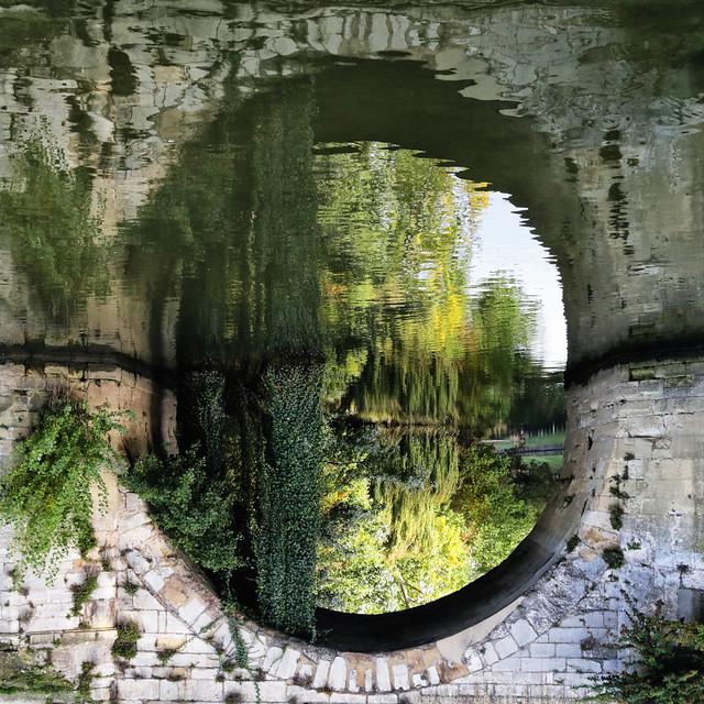 L'arche du vieux pont // The old bridge arch