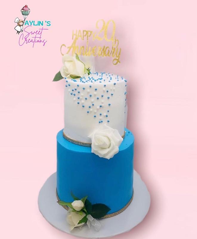 Cake by Aylin Pastrana