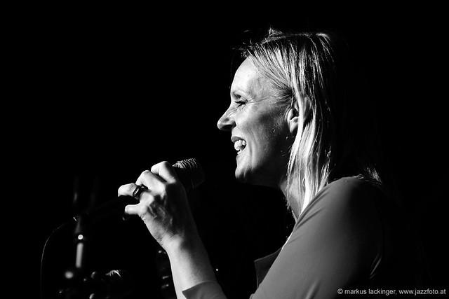 Danielle Lous: vocals
