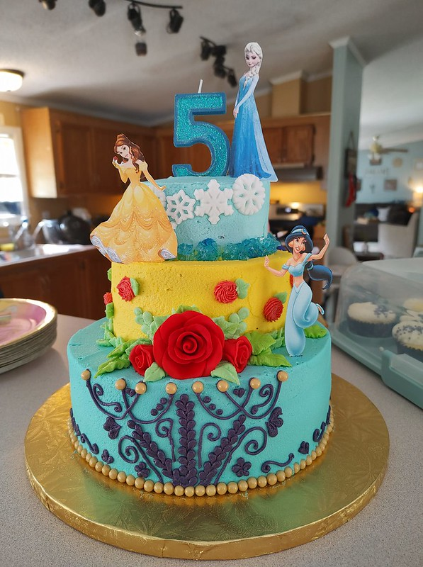 Cake from Creative Cakes By Kelsey