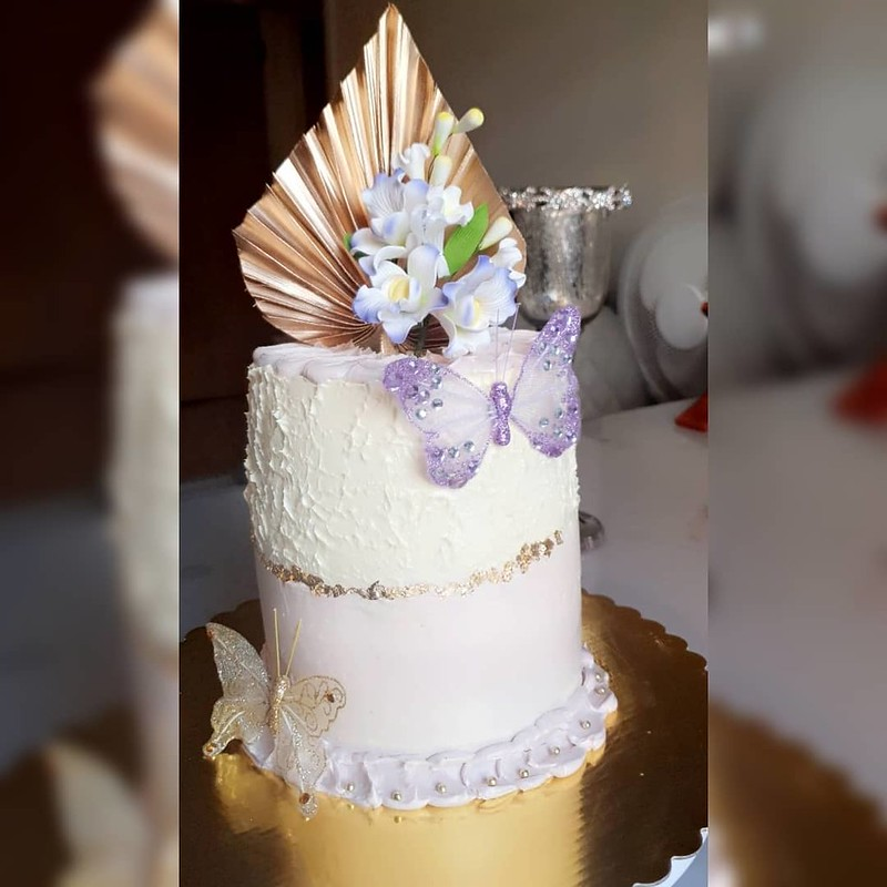 Cake by London Bakes and Cakes