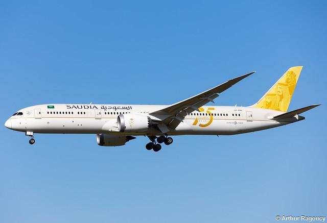 Saudia Arabian Airlines Boeing 787-9 Dreamliner HZ-ARE (CDG)