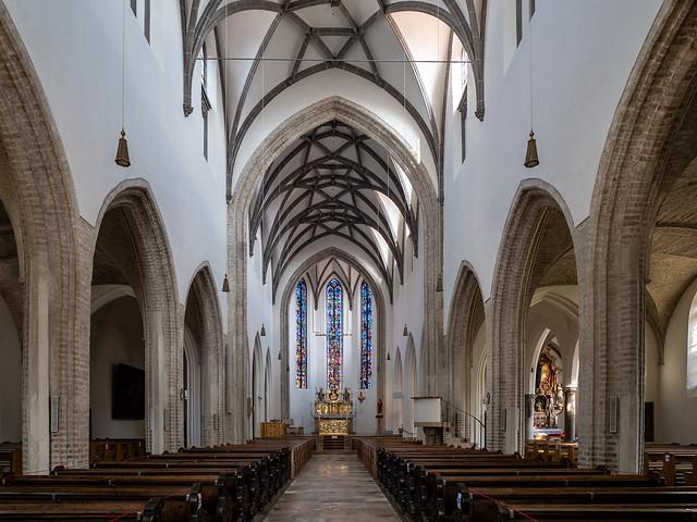 Augsburg: Langhaus der Kirche St. Georg, Blick zum Altar - Main nave of St. George's Church, looking towards the altar