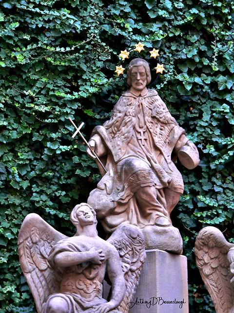Religious Statue 873-1