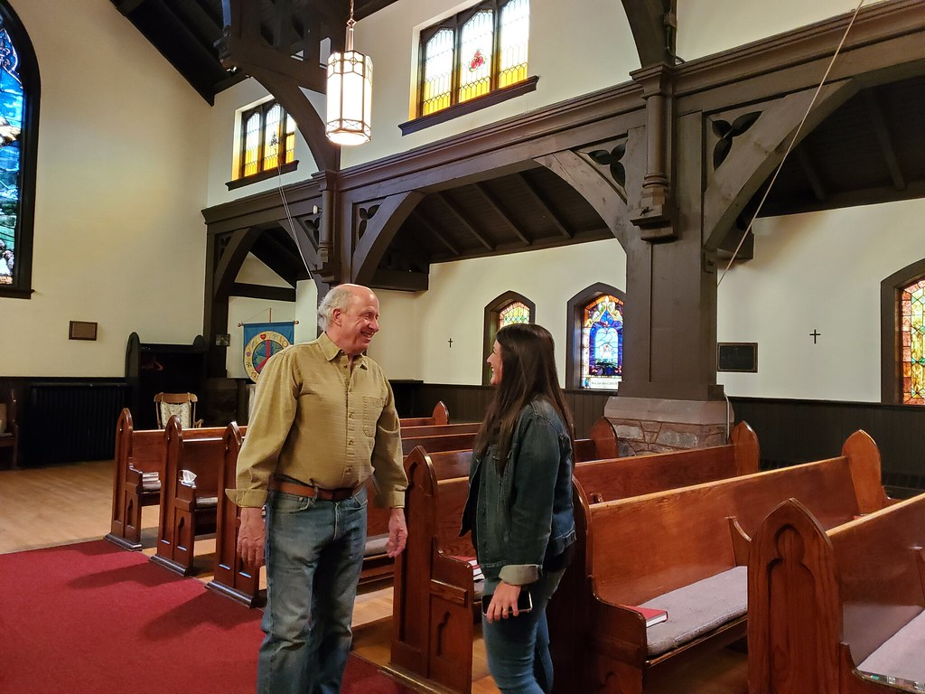 Jay Clancey (Owner Kognisjon Bryggeri)  and Lydia Kelsey Bucklin (Episcopal Diocese of Northern Michigan) talk about how to best use the space.