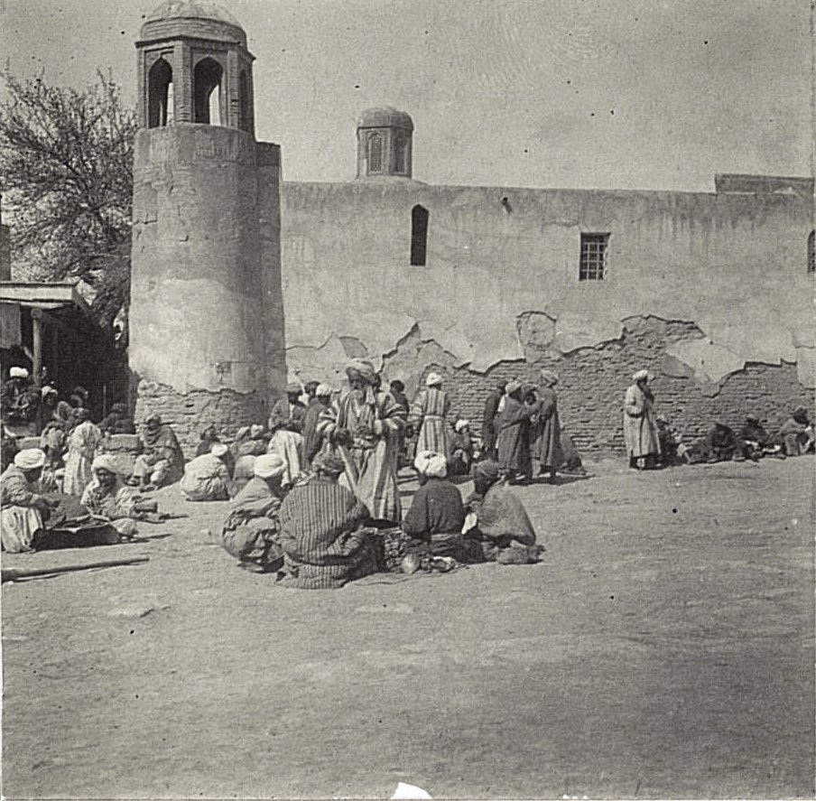 Бухара. Базар на Регистане. Продажа плова