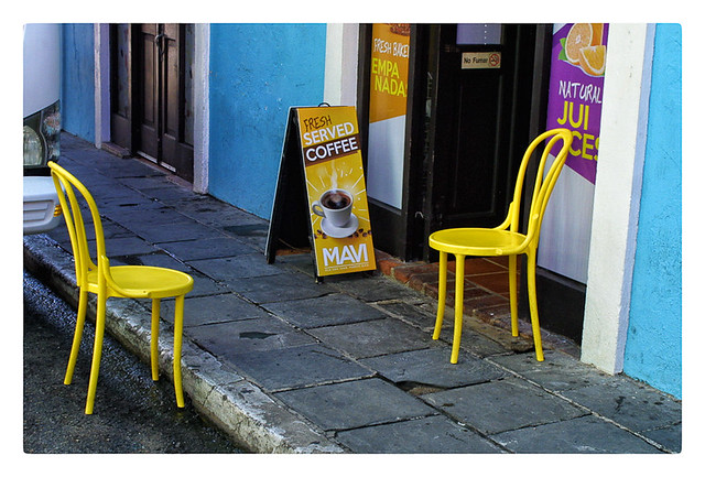 Sillas Amarillas (Yellow Chairs)