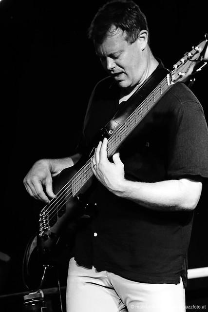Ike Sturm: bass