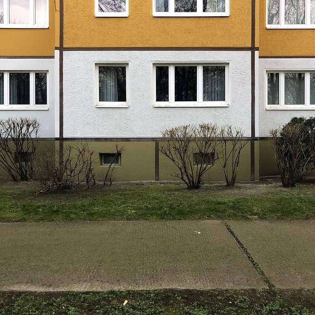 ...kann Spuren von Fachwerk enthalten / Rhinstraße / Lichtenberg