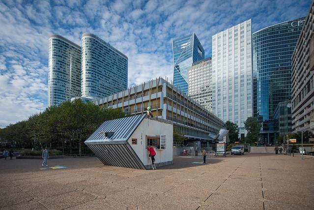 La Maison couchée, Jean-François Fourtou - Les Extatiques, La Défense, 2021