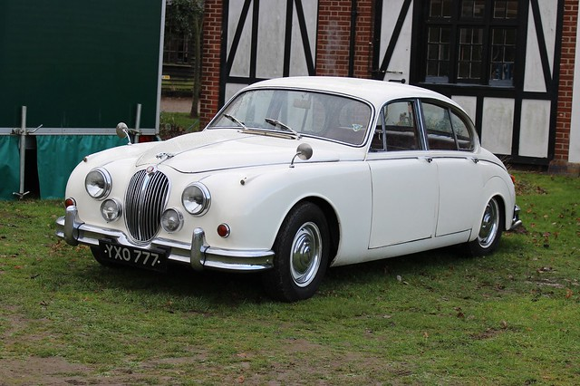 157 Jaguar 3.8 litre Mark 2 (1960) YXO 777