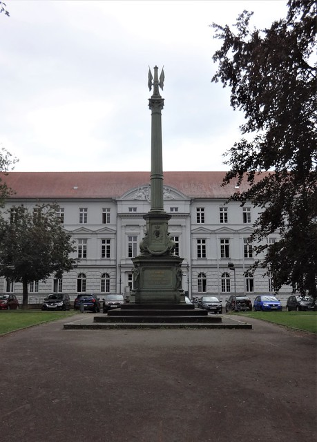 1863/65 Güstrow Landesdenkmal Befreiungskriege 1813-1815 von Oberhofbaurat Hermann Willebrand/Bildhauer Georg Wiese Franz-Parr-Platz in 18273