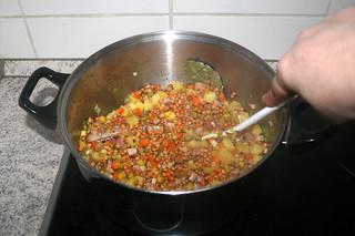 30 - Braise lentils / Linsen angehen lassen