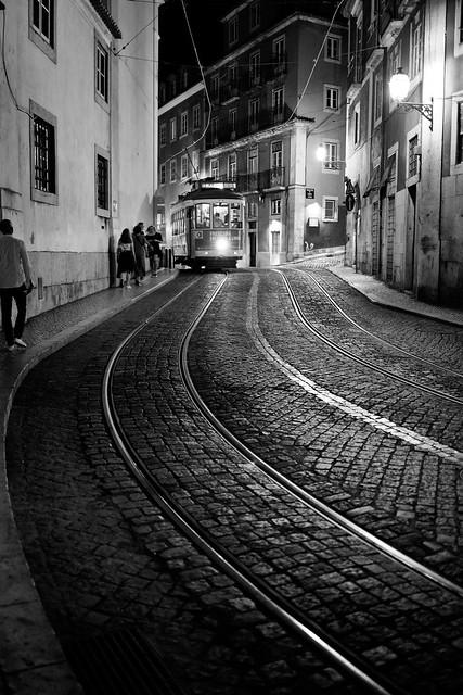 Tranvía lisboeta, nocturno (Explored 16th October, 2021)