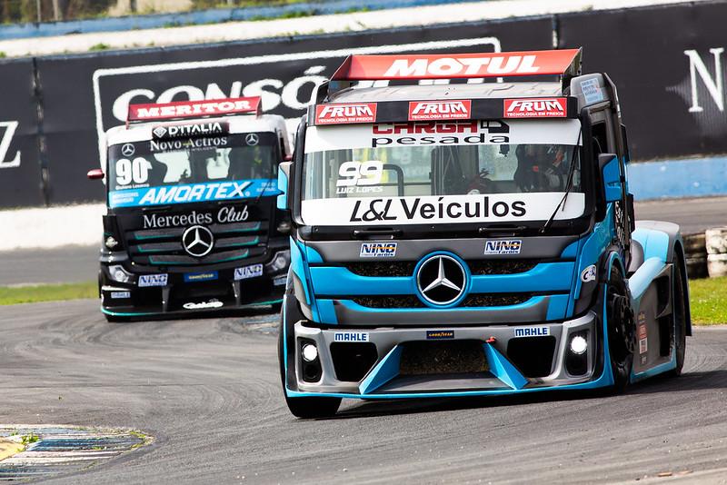 04/09/21 - Emoções da corrida 1 da 6ª etapa da Copa Truck em Curitiba - Fotos: Duda Bairros e Rafael Gagliano