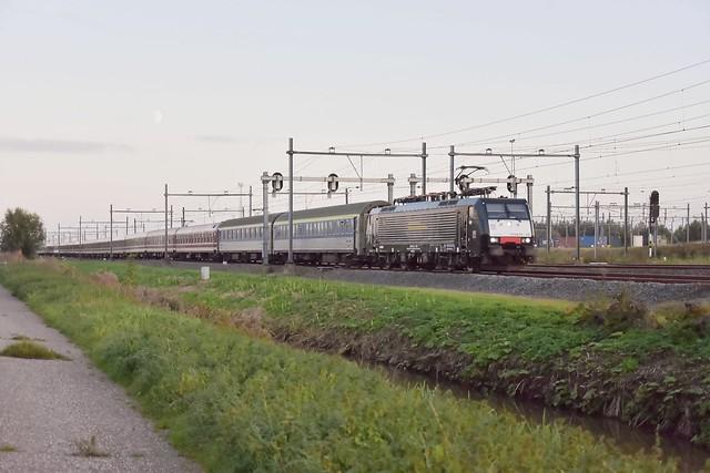 Green City Trip 189 105 met trein 13491 van Breda naar Praag; Kijfhoek, 15-10-2021