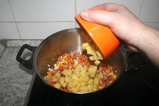 19 - Add potatoes / Kartoffeln addieren