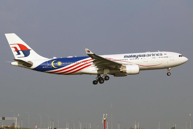 Malaysia Airlines / 9M-MTZ / Airbus330-223 / c/n1112 / f/f'10 / AMS / EHAM / Schiphol / 10-10-2021