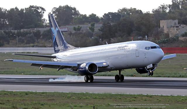 TF-BBH LMML 14-10-2021 Bluebird Nordic Boeing 737-4Y0(SF) CN 23865