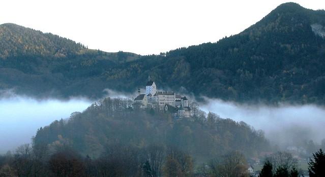 Herbstnebel - Autumn fog (Burg Hohenaschau/Oberbayern- Hohenaschau castle /Upper Bavaria)