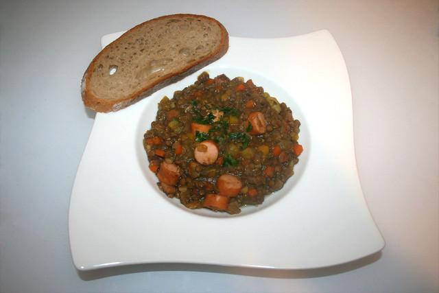 42 - Lentil stew with wiener sausages - Served / Linseneintopf mit Wiener Würstchen - Serviert
