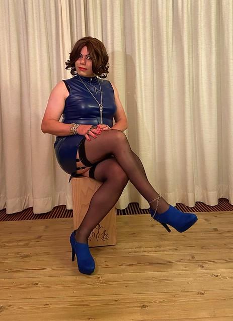 I like blue too