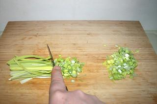 07 - Chop leek / Lauch zerkleinern