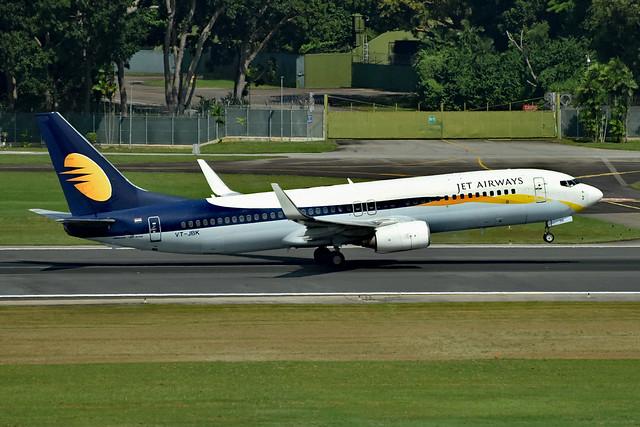 Jet Airways VT-JBK B738 SIN _3 touch down