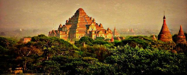 MAR, Burma - Old-Bagan, Blick von einer Pagode auf die umliegenden Tempel und Pagoden, 78492