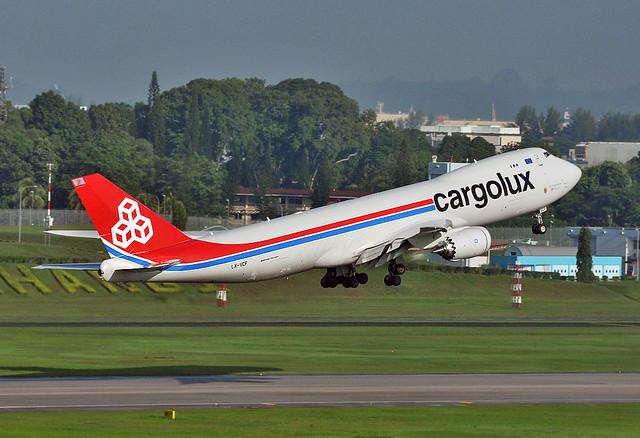 Cargolux LX-VCF B748F SIN take off