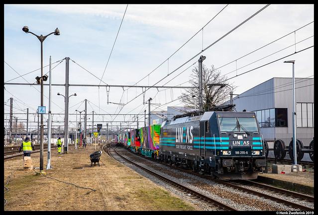 Lineas 186 255, Schaarbeek 20-02-2019