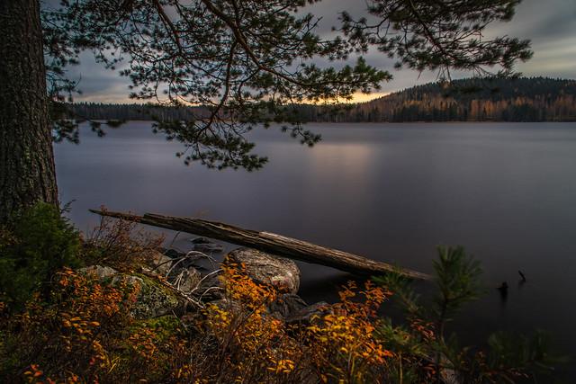 October lakescene II