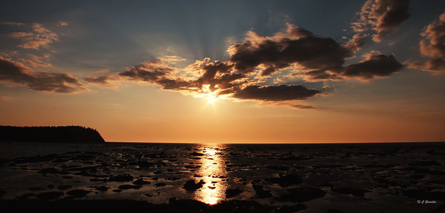SUNSET OVER ST. LAWRENCE RIVER | CAPUCINS  |  CAP-CHAT  |  GASPESIE  |  QUEBEC |   CANADA  |