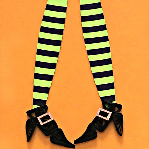 Make Quilled Witch Shoes and Striped Stockings with Quilling Strips