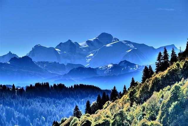 10.16.21.Panorama sur le Mont-Blanc (France)