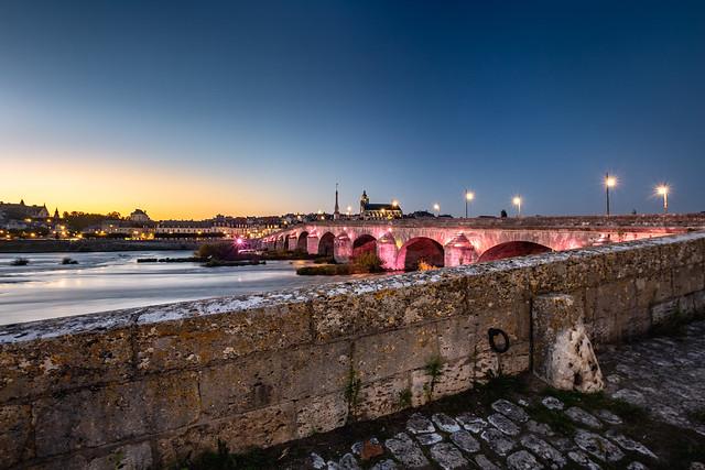 Pont Jacques Gabriel de Blois, au coucher de soleil