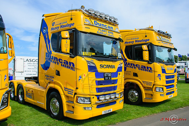 Duncan Plant Hire Scania pair.