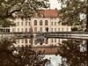Autumn impressions of the Niederschönhausen Palace.