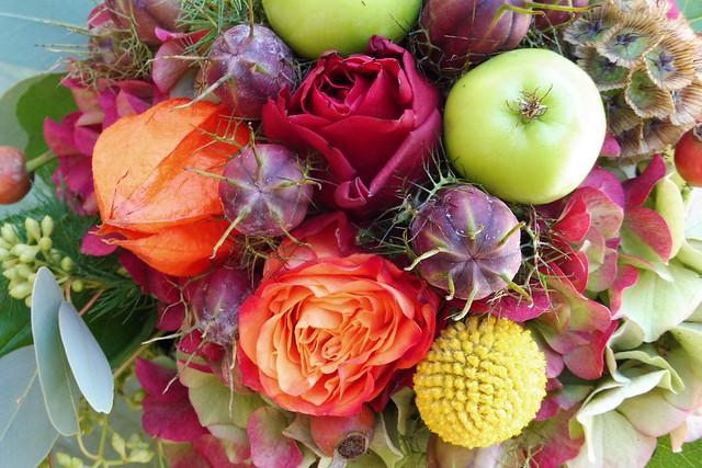 2021-10-17 Blumengesteck bunt herbstlich