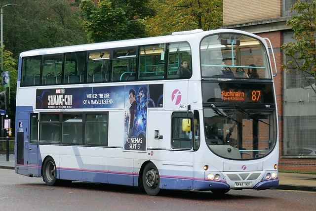 First Glasgow Volvo B7TL Wright Eclipse Gemini SF54TKV 32612 prescreened to operate service 87 to Auchinairn at Killermont Street, Glasgow, on 9 October 2021.