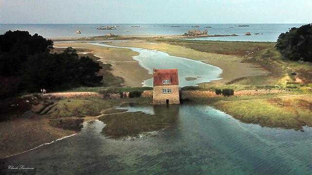 Buguélès Vue aérienne de l'île Banalec