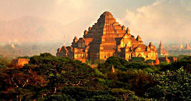 MYANMAR,Burma - Old-Bagan, Blick von einer Pagode auf die umliegenden Tempel und Pagoden, 78493/20090