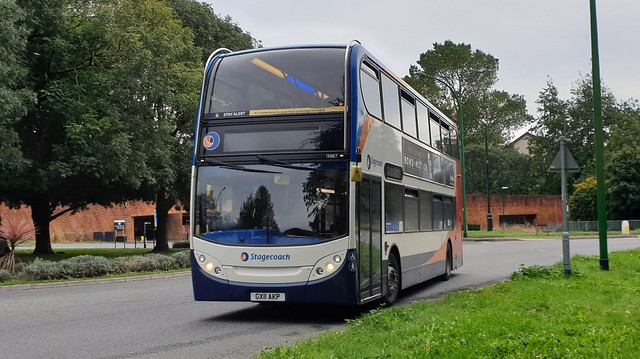 Stagecoach South 19887 (GX11 AKP) Chichester 17/10/21