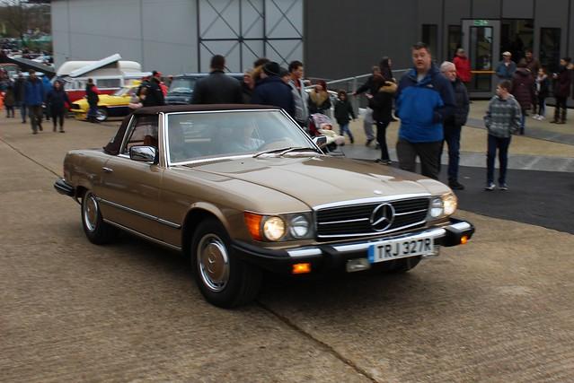 185 Mercedes 450SL (R107) (US Spec) (1977) TRJ 327 R