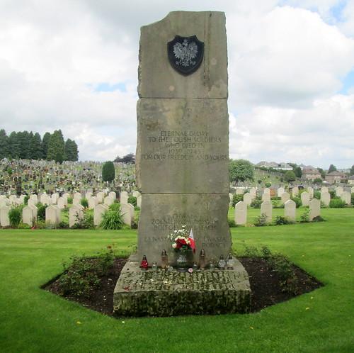Dedication Stone Polish Graves, Jeanfield and Wellshill Cemetery, Perth