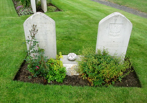 Two Polish War Graves, Jeanfield and Wellshill Cemetery Perth